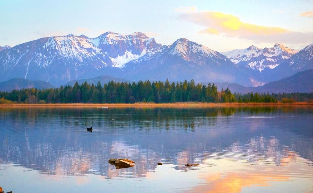 13. Lago Hopfensee, y Alpes austriacos. Autor Moyan_Breen