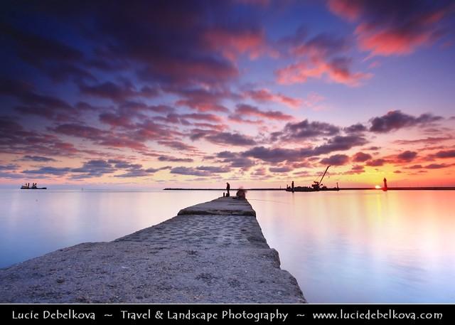 © Lucie Debelkova /... - Russia - Krasnodar Krai - Sochi - Seaside resort town on the Black Sea - Fishermen at Sunset