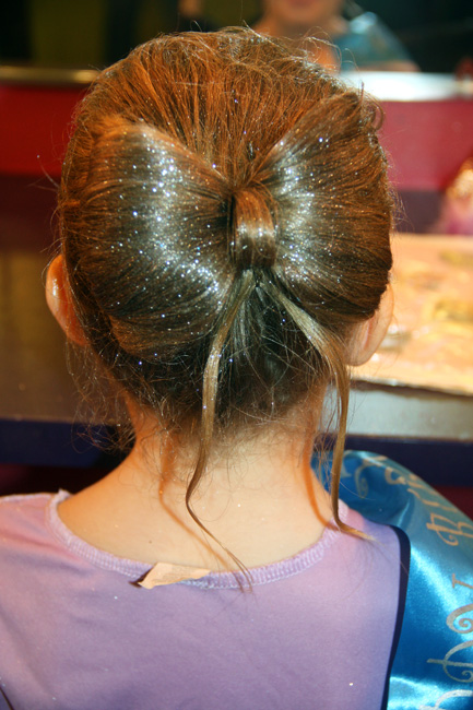 Hair_close-up-of-bow