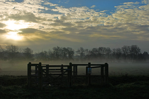 morning mist sunrise day somerset bridgwater meads blinkagain pwpartlycloudy