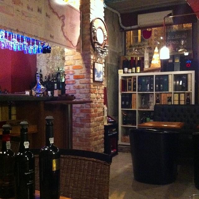 Vinologia — будете в Порто, не пропустите! #vinologia  #porto #oporto #portugal