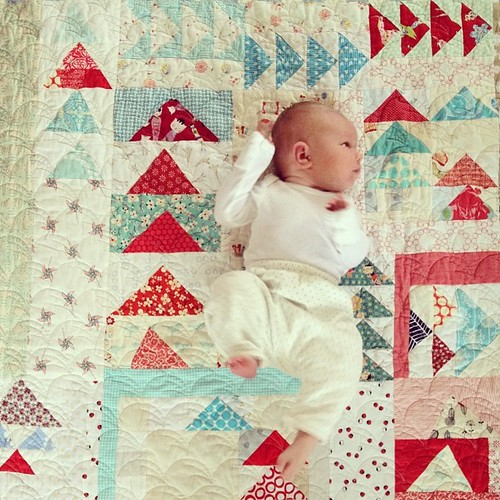 You guys! I love Solveig's quilt so much. Thank you so much to my #seattlemqg peeps @sewkatiedid @seasona @samilou01 and others I'm not sure of in my babybrain state. Who else helped? Please let me know! #dailysolveig