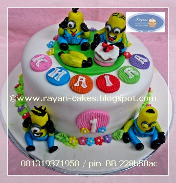 Superb Minions Despicable Me Birthday Cakes Fondant Rayan Cakes Flickr Funny Birthday Cards Online Fluifree Goldxyz
