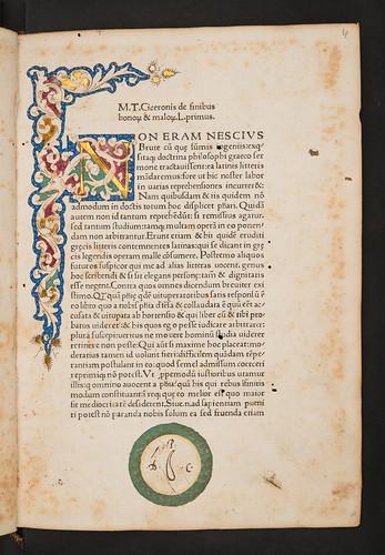 Illuminated initial and laurel wreath decoration in Cicero, Marcus Tullius: De finibus bonorum et malorum