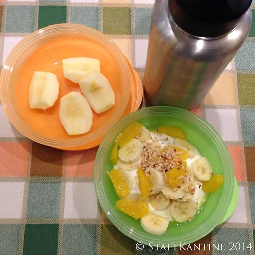 Stattkantine 27.02.14 - Joghurt mit Obst, Apfel, Johannisbeerschorle