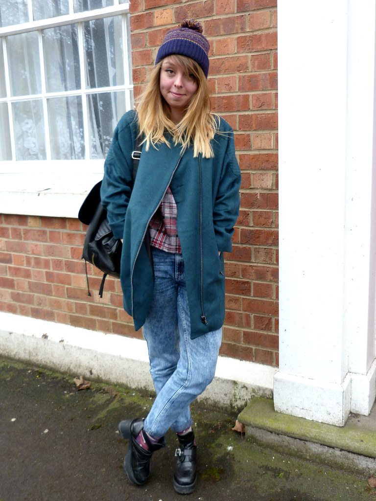 Blue green cocoon coat | how to style an oversized boyfriend coat