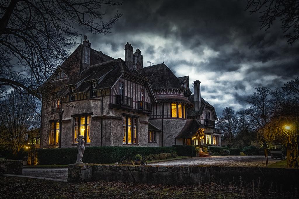 The Manor in the dark