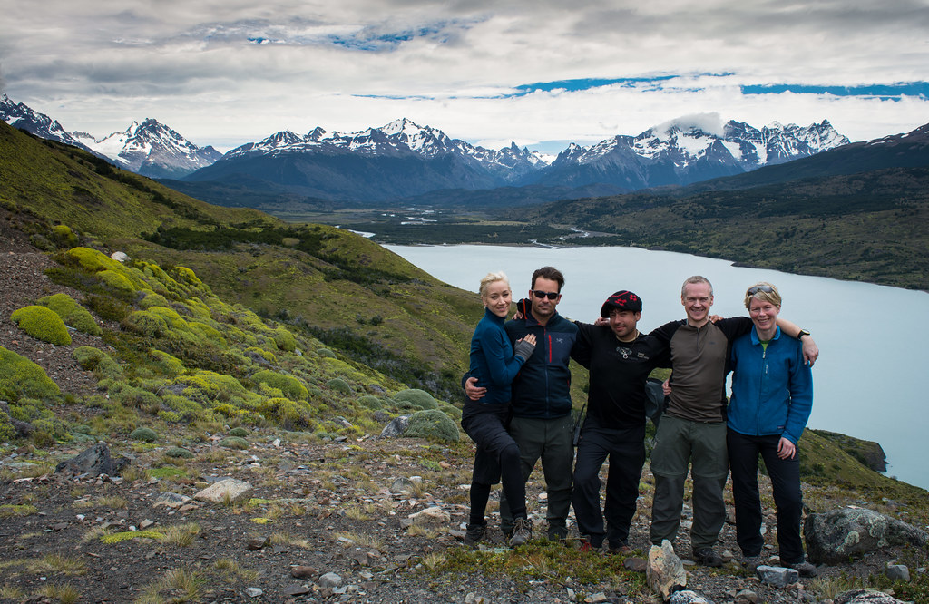 Group picture at Lago Paine!