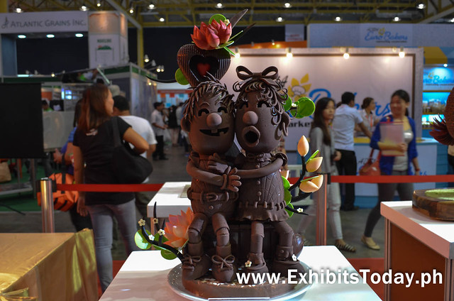 Chocolate Carving of Lovers