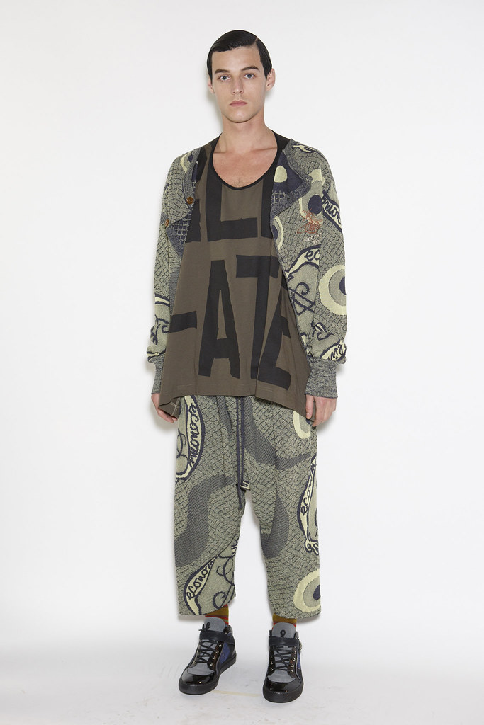 Robbie Wadge3674_6_FW14 Milan Vivienne Westwood(fashionising.com)