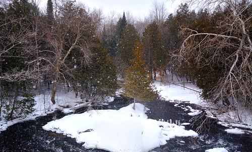 winter snow color ice mi dam spray blizzard fernridge spillway rapidriver ruggpond february2015