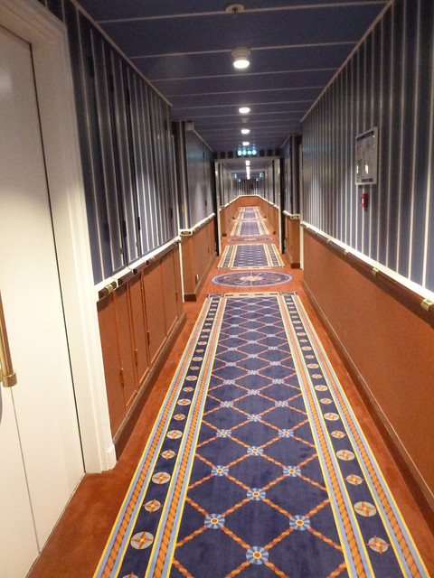 Compass Club floor corridor, Panasonic DMC-SZ1