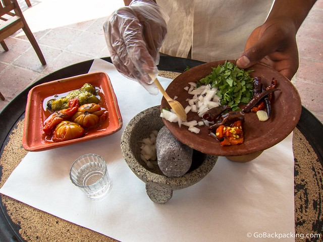 Tableside salsa preparation