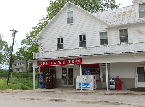 Red & White Grocery