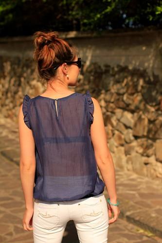 blusa transparente azul