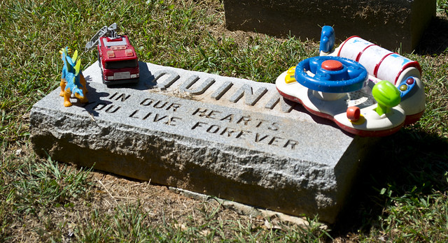 child grave with toys - Reno Hill section - Oak Hill Cemetery - 2013-09-04
