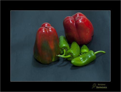 Pimientos by Argayu