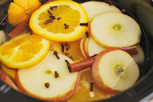 Witches Brew - make your house smell like fall with a slow cooker full of apple, orange, lemon, cloves, and cinnamon sticks! Perfect for Halloween night!