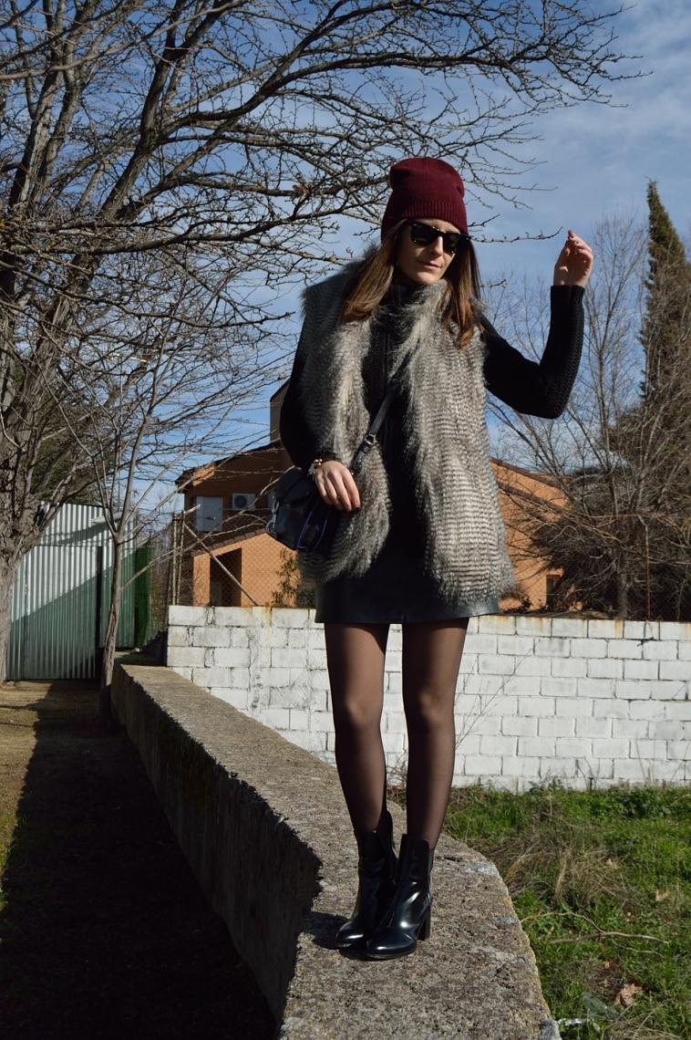 lara-vazquez-madlula-blog-fashion-chic-faux-fur-vest