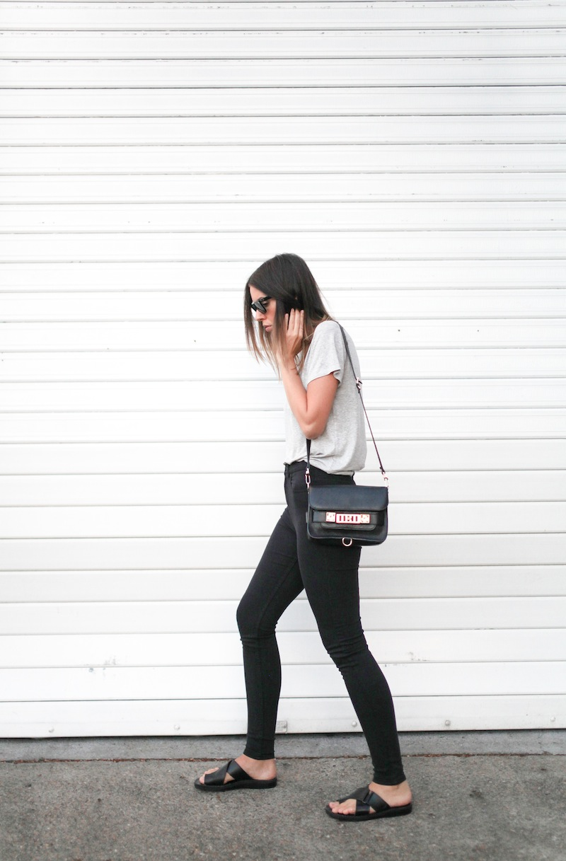 modern legacy fashion blog australia street style grey boyfriend tee t shirt high waisted jeans Proenza Schouler PS11 mini classic bag slide sandals Ray Ban Oversized Wayfarers (6 of 12)