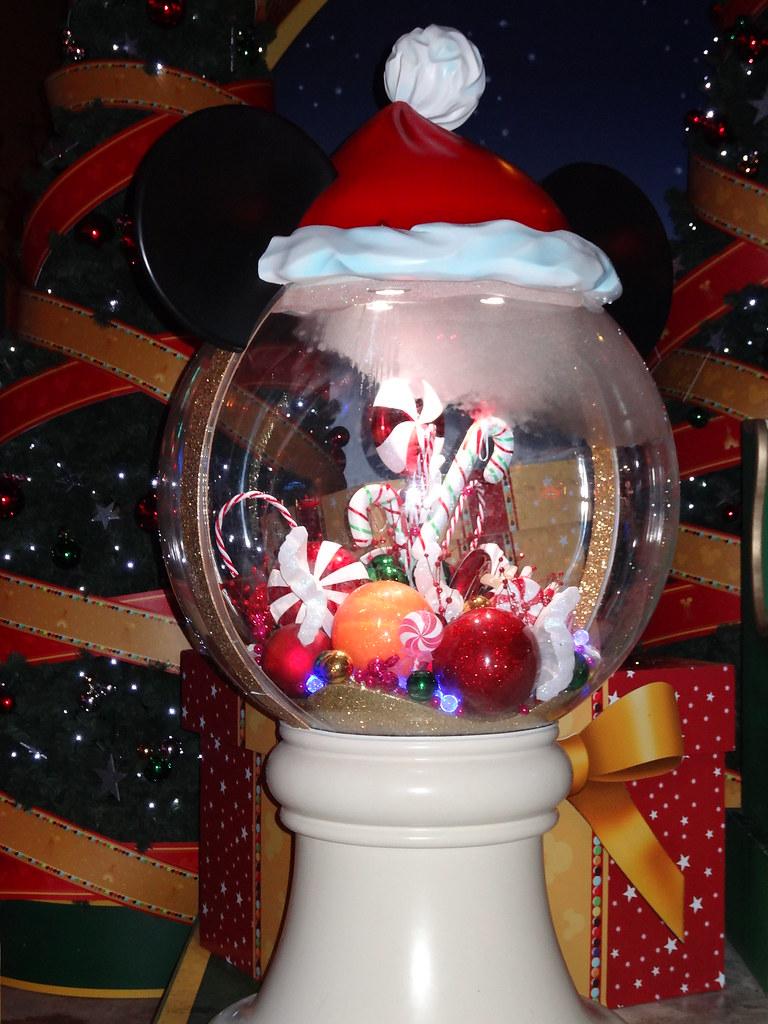 Un séjour pour la Noël à Disneyland et au Royaume d'Arendelle.... - Page 2 13607788613_99b10fe19c_b