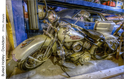 Buried Harley – Davidson (HDR)