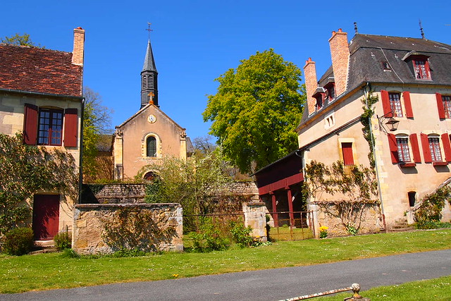 Apremont sur Allier - Le village