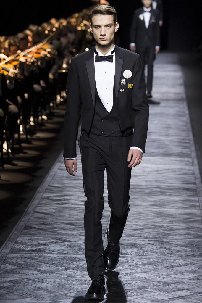 FW15 Paris Dior Homme002_Serge Rigvava(VOGUE)