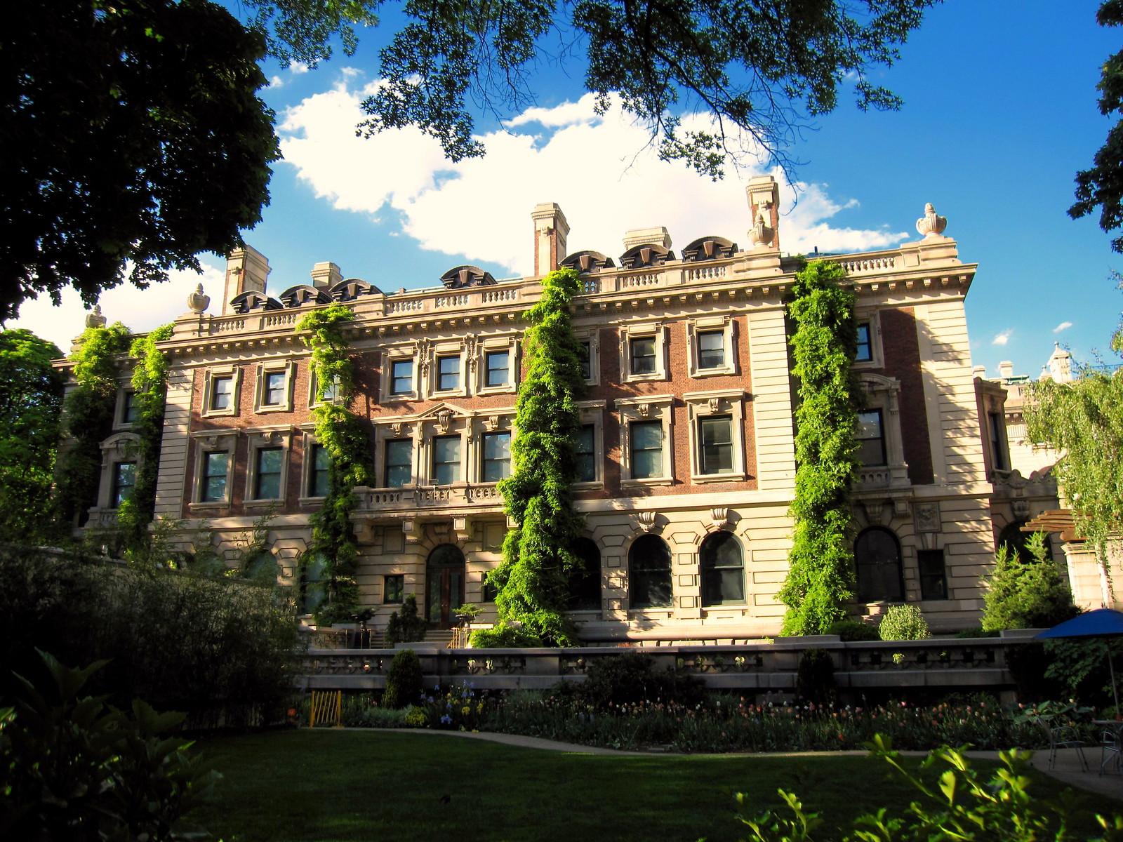 Andrew Carnegie Mansion, Manhattan, New York. Credit Gryffindor