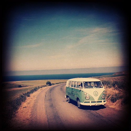 #aircult #aircoold #airmighty #aircooled_world #volksworld #rothfink #coolflo #volkswagen #split #splitbus #splitscreen #t1 #bulli #bugbus #bugcation #veedub #vwlove #vwporn #vws4ever #vws4life #camper #campervans -:- visit www.bUGbUs.nEt by bUGbUs.nEt