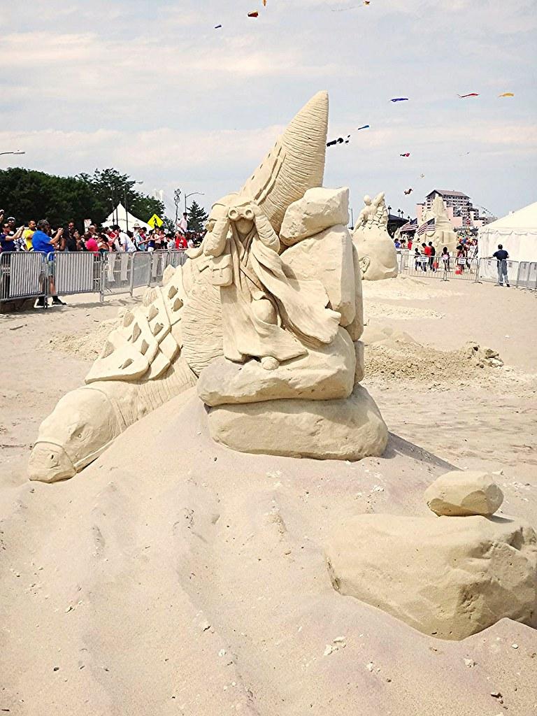 2013 revere beach sand sculpting festival lizard scout