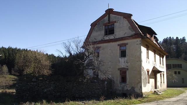 Clădire administrativă a fabricii de hârtie de la Bușteni