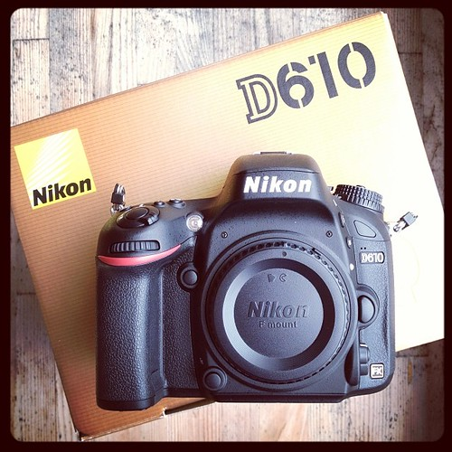 It's here!!! Upgrading to full frame, just a little bit excited. #nikon