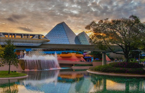 sunset sky clouds reflections epcot dusk disney monorail wdw waltdisneyworld futureworld journeyintoimagination monorailmonday
