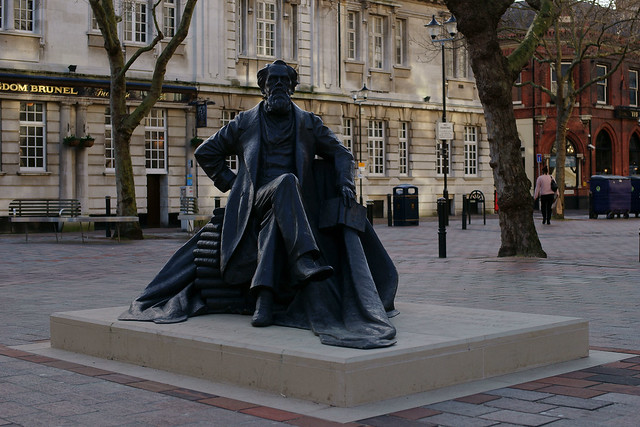 Statue of Charles Dickens