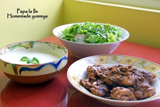 Pulpe de pui sos de usturoi cu busuioc si salata (1)