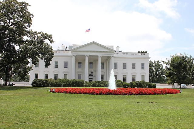 Picture of the White House from Pennsylvania Ave