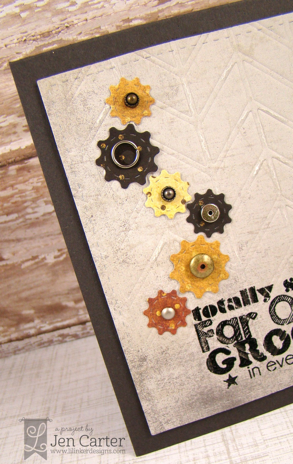 Jen Carter Groovy Gears Closeup
