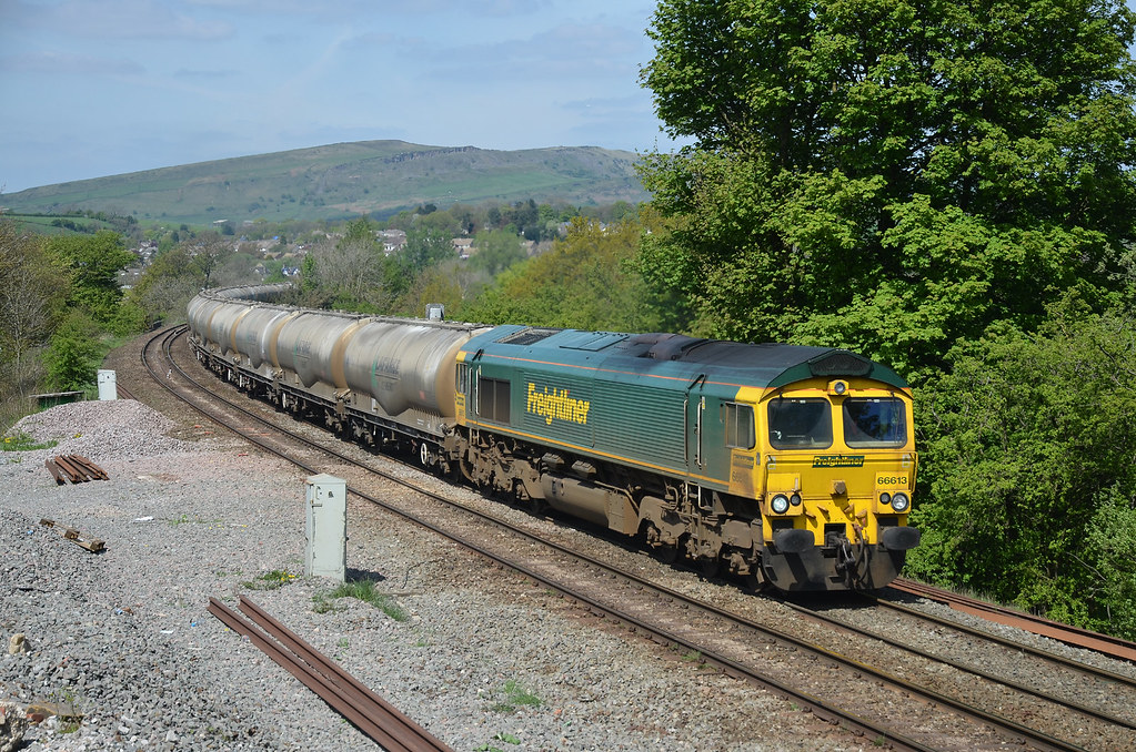 66613 6M90 West Thurrock-Tunstead empty cement, Chapel en le Frith 03.05.2014