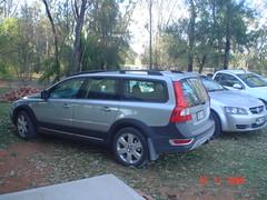 sedan(0.0), automobile(1.0), vehicle(1.0), volvo xc70(1.0), volvo v70(1.0), land vehicle(1.0),