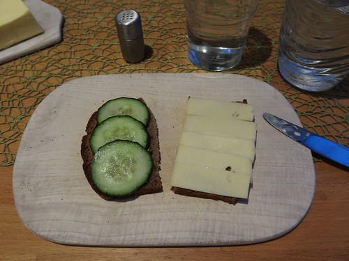 Gurken und Käse (Wilder Bernd) auf Osnabrücker Brot