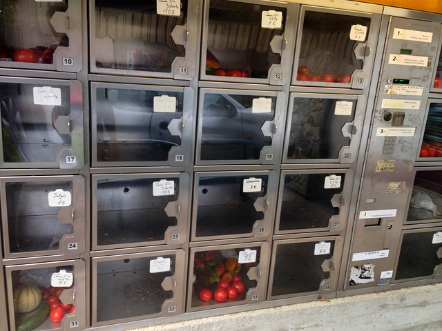 Local Source Organic Automat in Montolieu