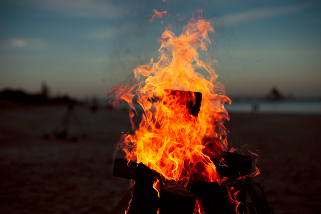 200/365 - Fire by the beach