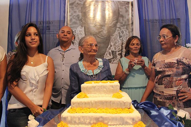 90 anos elizabeth.jpg