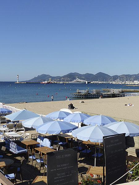 la plage avant le festival