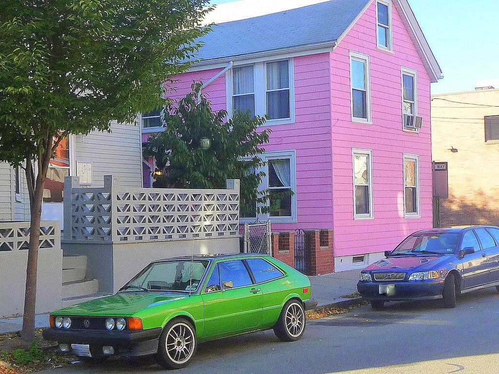 Wellington-Harrington - Windsor Street pink + green, Cambridge, MA