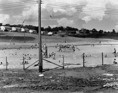 Oak Ridge Swimming Pool 1944