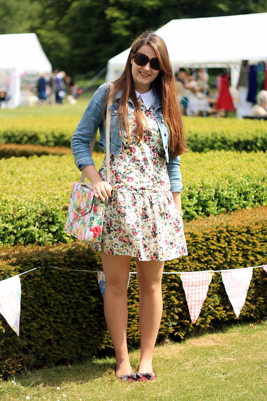 OOTD, outfit of the day, vintage fair, denim jacket, vintage dress, flats