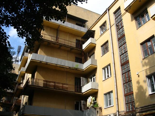 Дом-коммуна на ул. Лестева 21