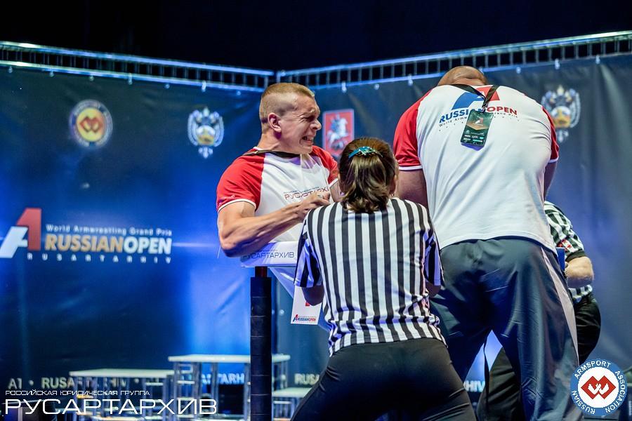 Oleg Zhokh vs. Alexey Semerenko - left hand │ A1 RUSSIAN OPEN 2013, Photo Source: armsport-rus.ru
